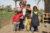 26. broertjes en zusjes met ezeltje-copyright Brooke NL