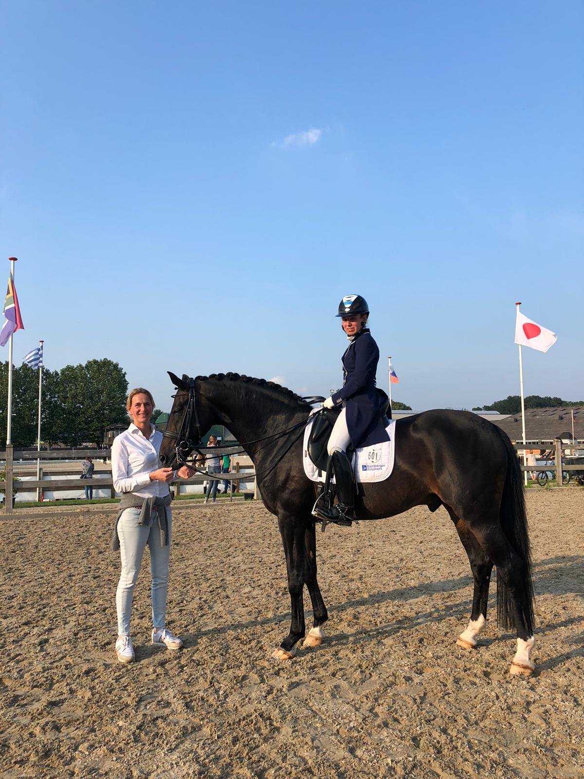 Sarah Bamberger met Grand Prix paard Quadroneur